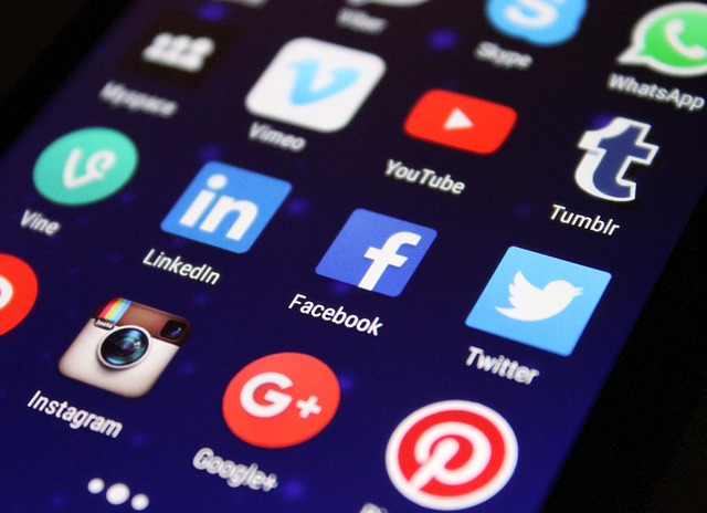 SocialMediaText